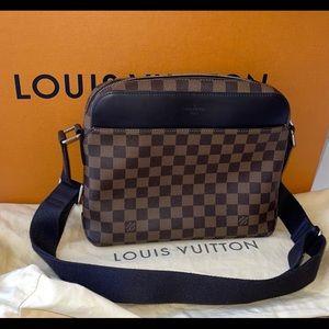 Authentic Louis Vuitton ebene jake pm crossbody